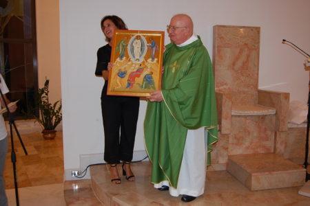 Il regalo a don Luciano: un'icona della Trasfigurazione