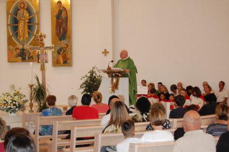 L'ultima messa di don Luciano da parroco